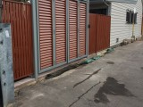 Bi fold gate for home